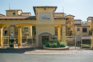 Wonderful 2 Bedroom Apartment in Sunninghill photo