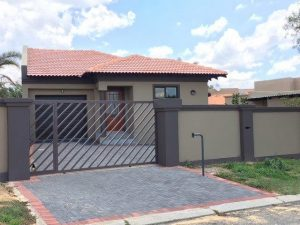 Stunning Three Bedroom Home in Alberton photo